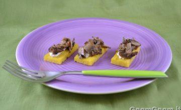 Crostini di polenta vegan
