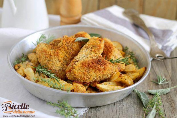 Ali di pollo croccanti con patate al forno