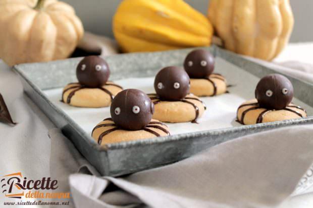 Ragnetti al cioccolato e biscotti al burro d'arachidi