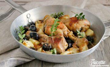 Cosce di pollo al mirto e olive nere