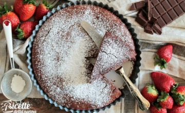 Torta al cioccolato fondente supercioccolatosa