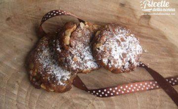 Biscotti con arachidi e cioccolato