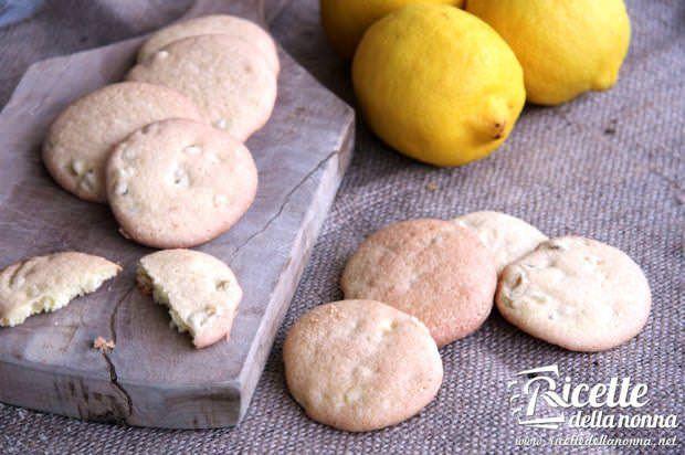 Delizie di biscotto al limone candito
