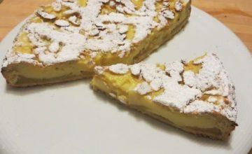 Crostata di crema alla vaniglia, mela verde e cannella