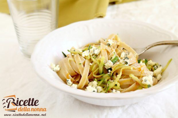 Pasta gorgonzola e zucchine
