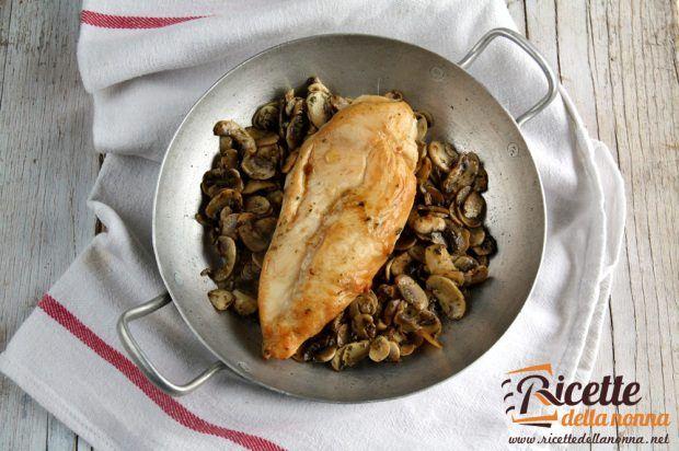 Petto di pollo al Marsala con funghi