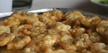 Merluzzo fritto con salsa al miele e alle alici