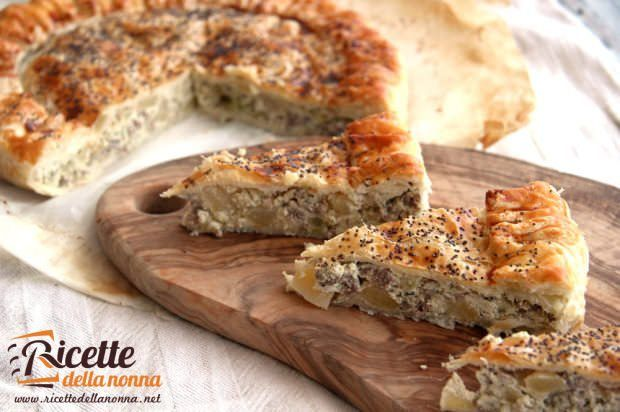 Torta rustica ai broccoli, ricotta e salsiccia