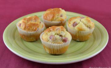 Muffin salati al prosciutto e formaggio