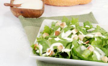 Pane all'aglio con lattuga