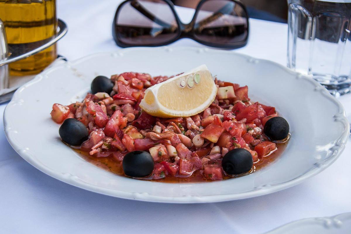 Calamari affogati al vino rosso