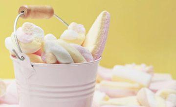 I marshmallow si possono fare in casa con pochi e semplici ingredienti: ecco come