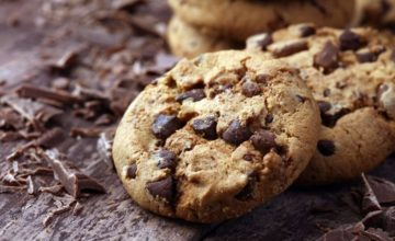 Biscotti morbidissimi al cioccolato con burro di arachidi: deliziosi e senza glutine!