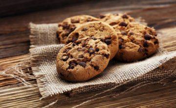 Cookies americani: come fare i biscotti con gocce di cioccolato