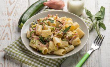 Pasta zucchine e speck: un piatto meraviglioso e facilissimo da fare!