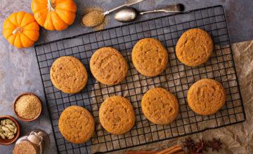 Facciamo i biscotti alla zucca, perfetti per un Halloween… buono da far paura!