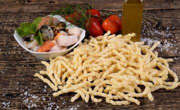 Se amate la pasta fatta in casa dovete provare questo formato tipico siciliano: le busiate!
