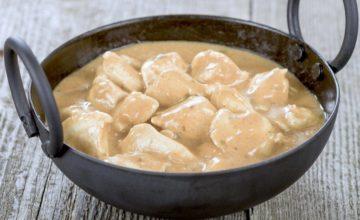 Bocconcini di tacchino in salsa yogurt: un secondo piatto gluten free