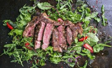 Pochi ingredienti (e grande qualità): ecco come preparare un'ottima tagliata di manzo