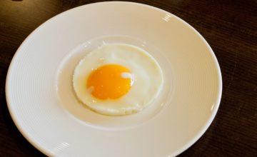 Uovo fritto al microonde