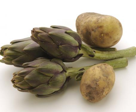Agnello con patate e carciofi