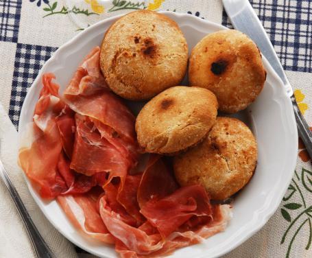 Bocconcini di pane e prosciutto