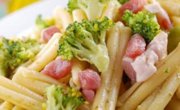 Caserecce con broccoli e pancetta