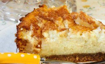 Cheesecake vegan con pere e cannella