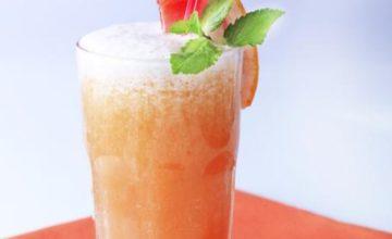 Cocktail analcolico agli agrumi e granatina
