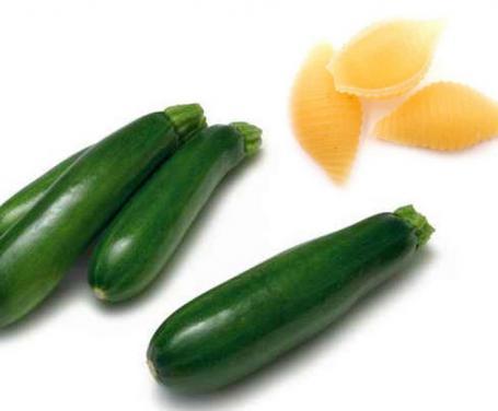 Conchiglie con mozzarella e zucchine