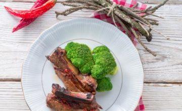 Costine di maiale con broccoli