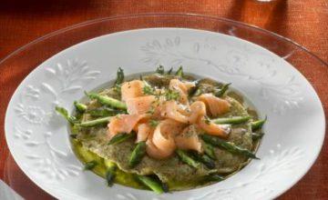 Crepes integrali con asparagi e salmone