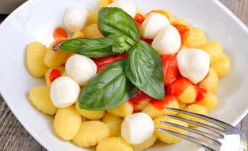 Gnocchi al pomodoro con mozzarelline