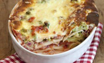 Lasagne ai broccoli e cipolle rosse