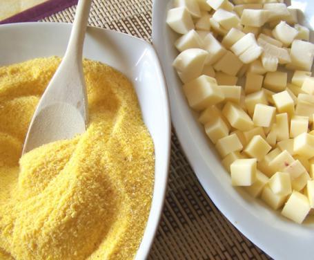 Polenta con crostini e fontina