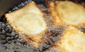 Ravioli fritti senza uova ripieni di marmellata