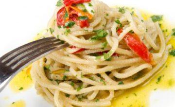 Spaghetti aglio, olio e peperoncino pazzariello