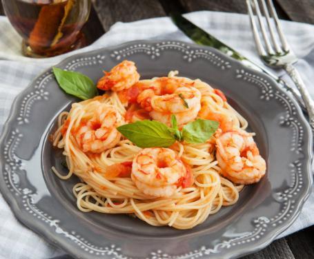 Spaghetti ai gamberetti e pomodorini