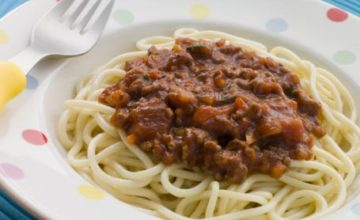 Spaghettini col sugo di frattaglie di pollo