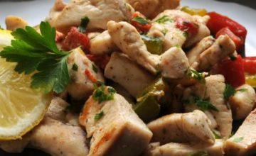 Straccetti di pollo con verdure croccanti