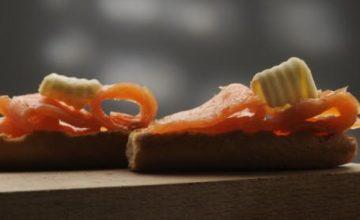 Tartine con salmone