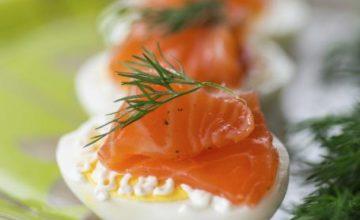Uova e salmone affumicato