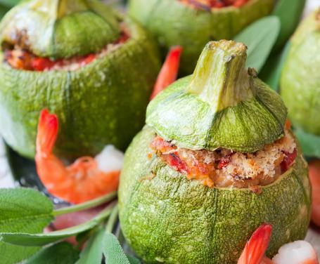 Zucchine ripiene di gamberetti