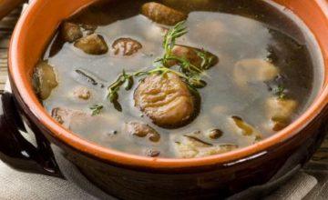 Zuppa di castagne e funghi