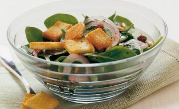 Insalata di spinaci all'uvetta