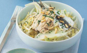 Sarde marinate con insalata d'indivia, finocchio e pinoli