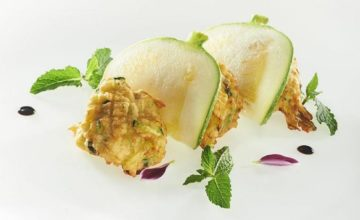 Frittelle soffici di zucchine, menta e pecorino
