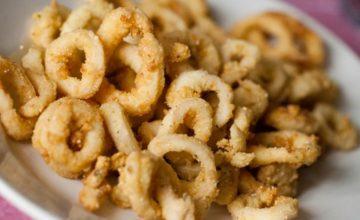 Anelli di calamaro fritti con panure al curry