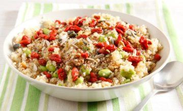 Insalata di edamame e quinoa