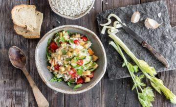 Minestra fredda di pane e riso con verdure